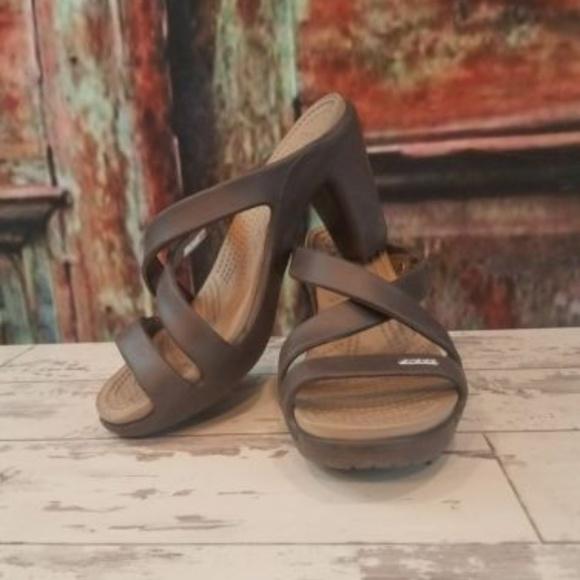 cb92614e03eb Crocs Cyprus IV Espresso High Heels Sandals Sz 7. M 5a75db3f61ca10cb1d251a2c